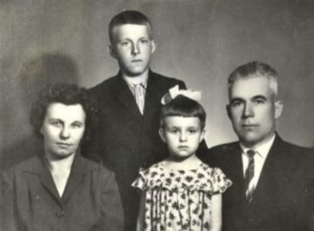 Семья Туснолобовых