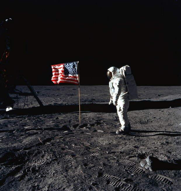 НАСА снова собирается на Луну