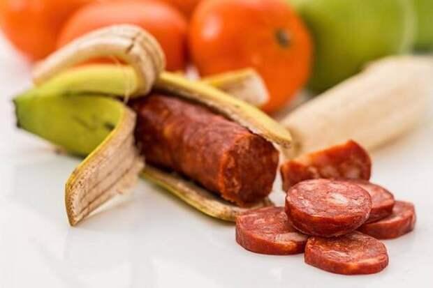Мясом и не пахнет. Росконтроль назвал 7 копченых колбас, которые не стоит покупать