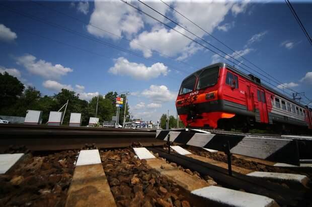 Названа причина столкновения грузовика с поездом в Калужской области