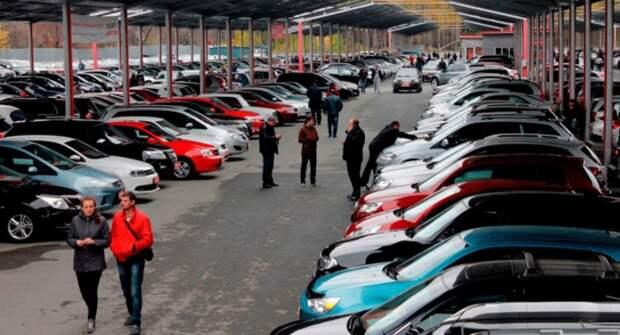 Водителей в России призвали не ожидать снижения цен и поспешить с покупкой нового авто