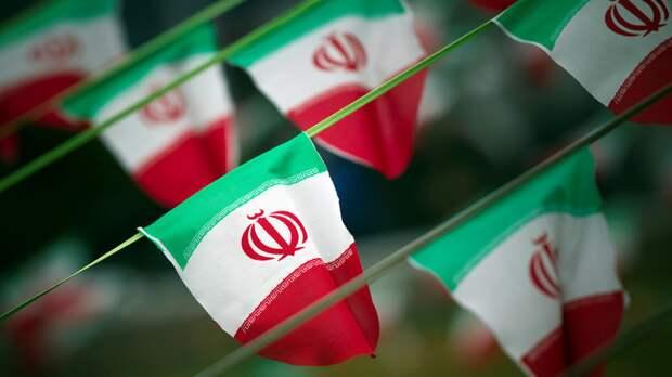 В МИД Ирана заявили о готовности продавать нефть любым покупателям