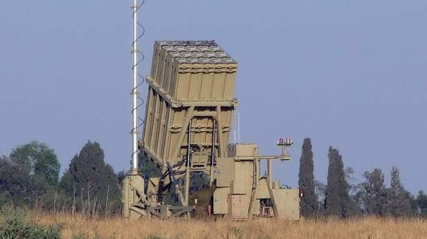 """Генерал ракетных войск объяснил высокую эффективность израильского """"Железного купола"""""""