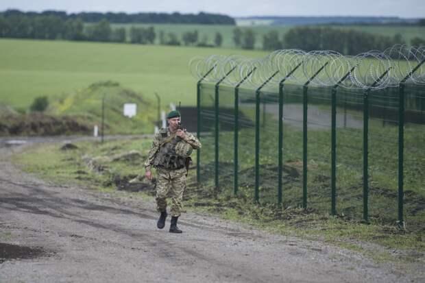Яценюк назвал стену на границе с РФ «стоп-линией» для Русского мира