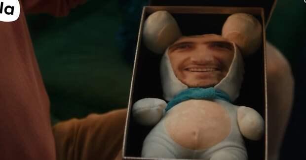 Гнездо на палке и заяц с вашим лицом. Lamoda высмеяла нелепые подарки на Новый год