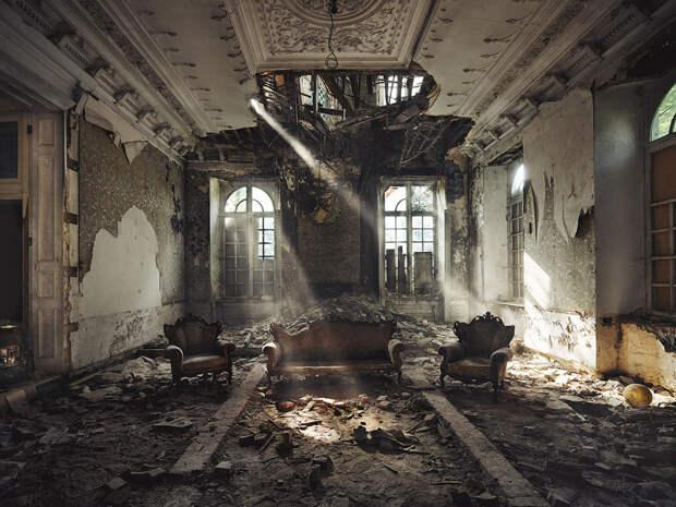20 таинственных заброшенных зданий, в которых время остановилось