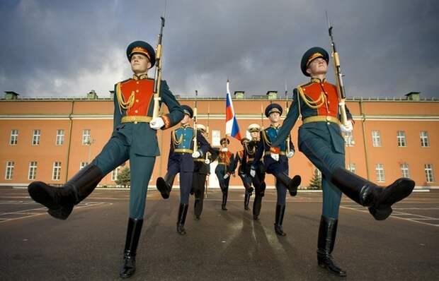 Смена караула в России.