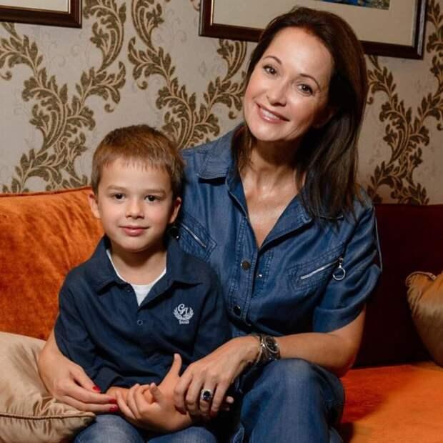В 44 актриса Ольга Кабо родила сына, как мальчик выглядит в свои 7 лет
