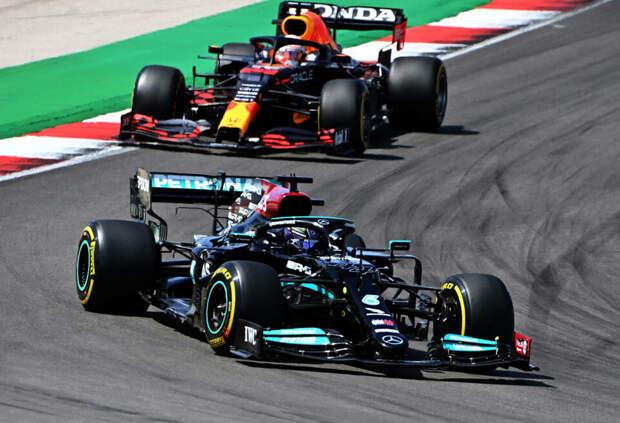 «Не война, а соревнование». Ферстаппен поправил журналистов на пресс-конференции FIA