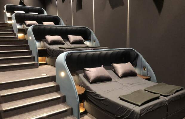 В Швейцарии открылся лежачий кинотеатр