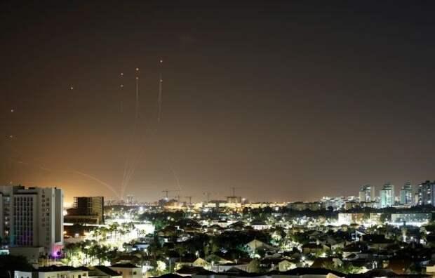 Визраильском городе Лод соообщили огибели женщины врезультате ракетного обстрела