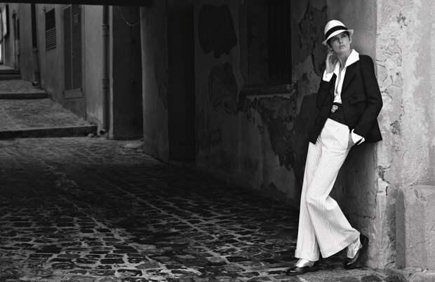 Рекламная кампания круизной коллекции Chanel 2017 года