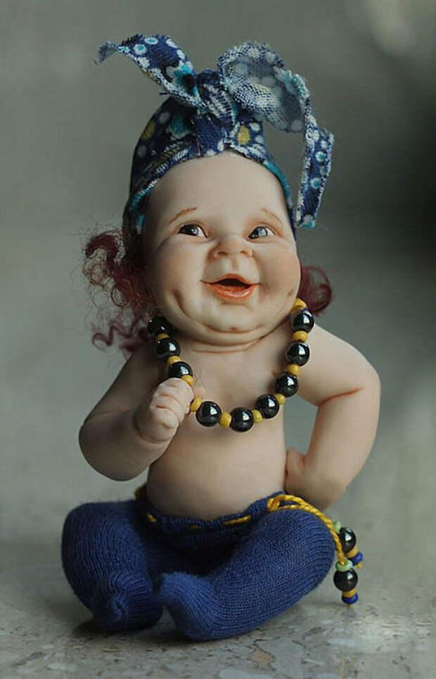 Глядя на кукол, созданных талантливой псковской художницей Еленой Кириленко, не улыбнуться просто невозможно. Как вам творчество?
