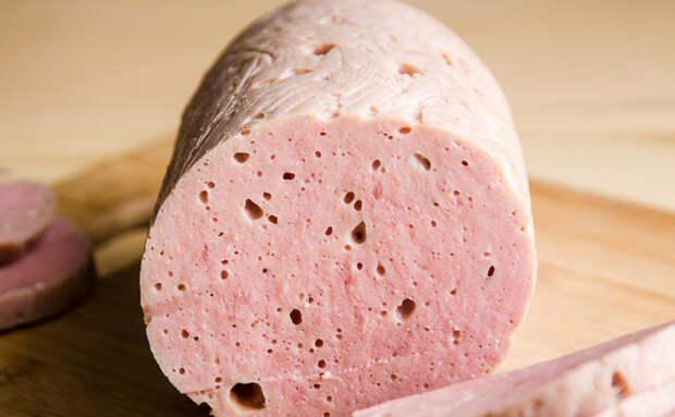 Превращаем килограмм мяса в батон Докторской колбасы. Готова к подаче на стол за 2 часа