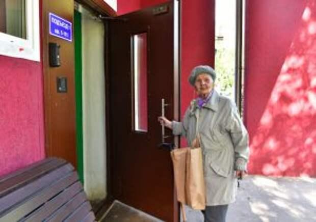Дверь отремонтировали/Денис Афанасьев, «Юго-Восточный курьер»