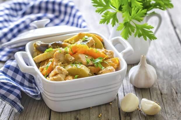 В рагу используйте свои любимые овощи. Фото: thinkstockphotos
