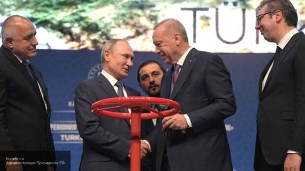 «Никак не развалимся»: Сатановский объяснил, почему Запад выбрал Россию врагом
