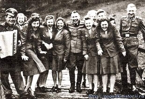 Охранники Освенцима находили время для отдыха