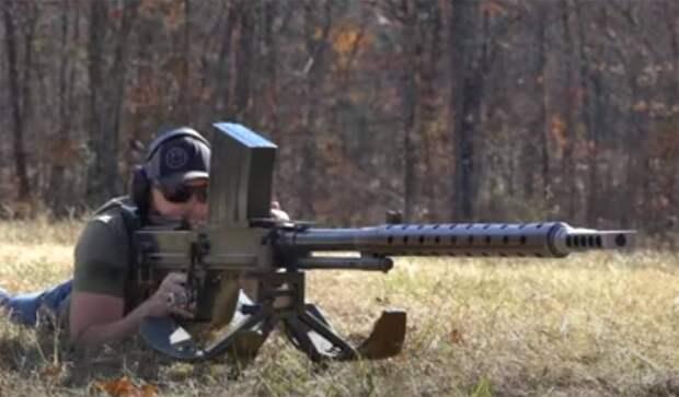 Детальная демонстрация выстрела из противотанкового ружья по стальным листам