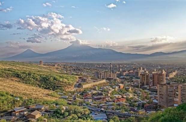 Власти Армении приняли решение пускать в страну граждан со свидетельством о вакцинации от коронавируса