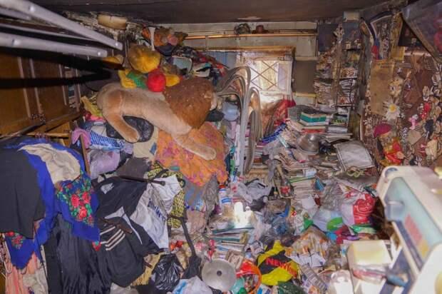 К гражданам, захламляющим свои квартиры, придут с принудительной уборкой