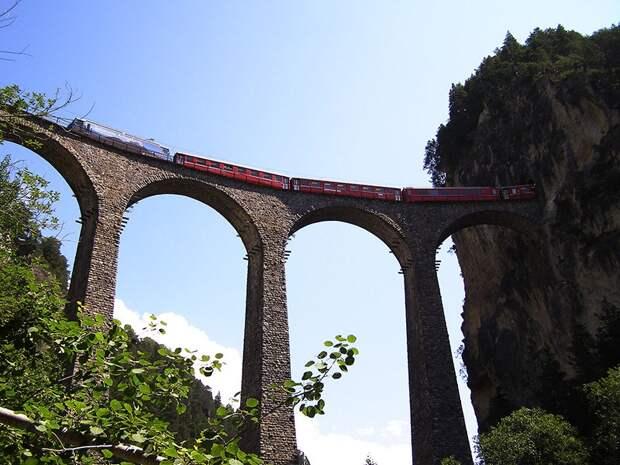 Chbahns64 Топ 5 самых необычных железных дорог Швейцарии