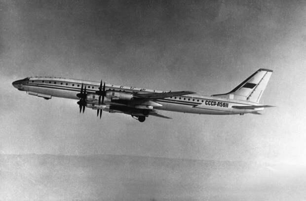 На основе бомбардировщика. Чем Ту-114 поражал воображение современников