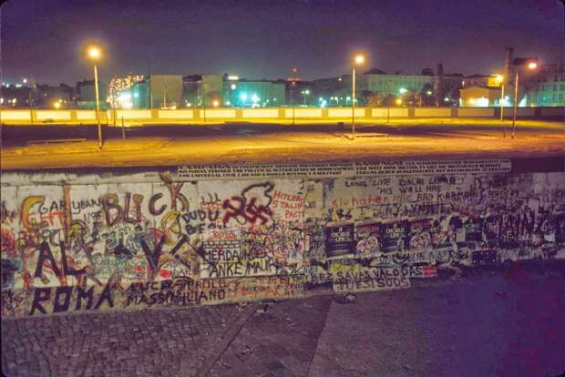 Berlin Night, 1989 (5)