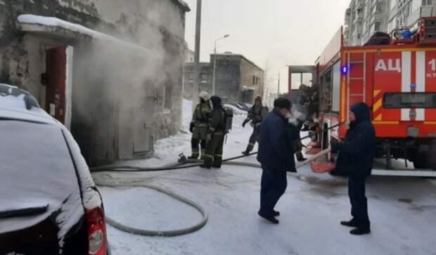 Автомобиль сгорел на подземной парковке в Нижнем Тагиле