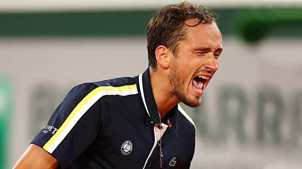 Лучший русский теннисист творит историю на нелюбимом грунте. Похоже, Медведев решил свою главную проблему