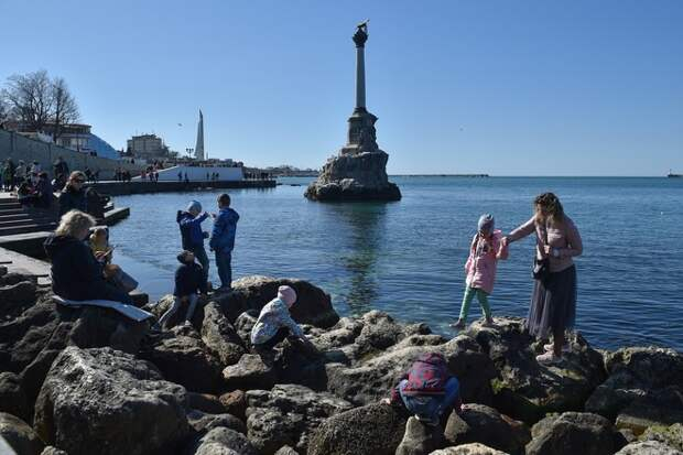 В Госдуме предложили Байдену посетить Крым