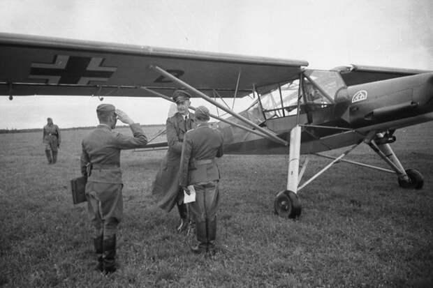 """Угнавшие """"Шторх"""": первому побегу из немецкого плена на самолете 77 лет"""