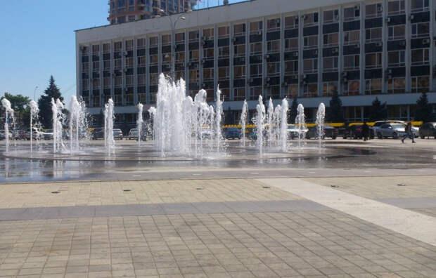 В Краснодаре открылся сезон фонтанов