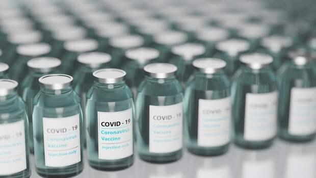 """""""Р-Фарм"""" выпустит в РФ экспортную партию вакцины от COVID-19 AstraZeneca"""