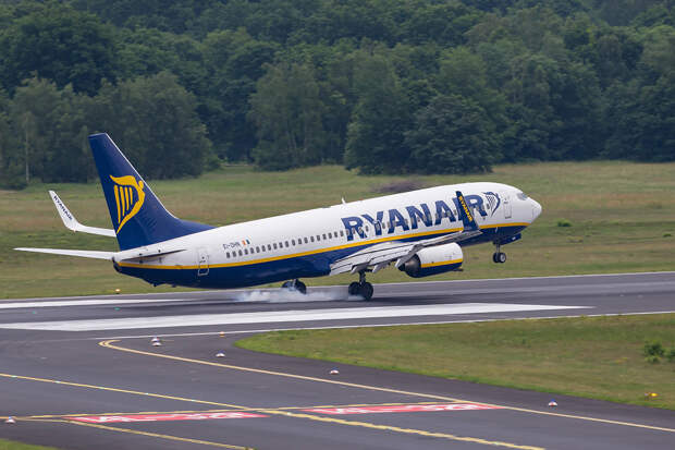 Раскрыты детали сообщения о минировании севшего в Минске самолёта Ryanair