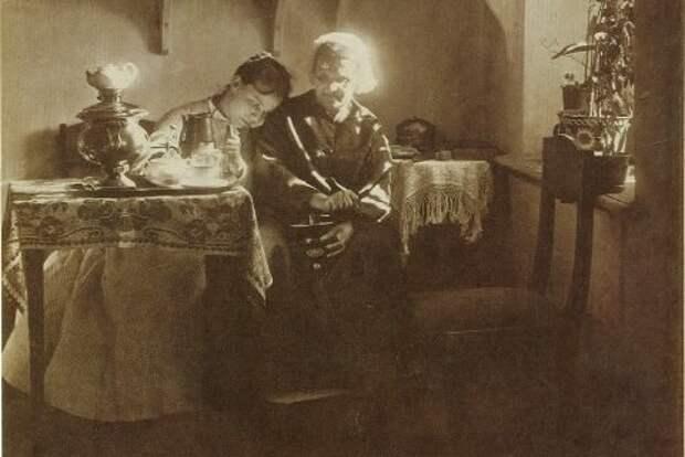 С какого возраста женщин считали бабками