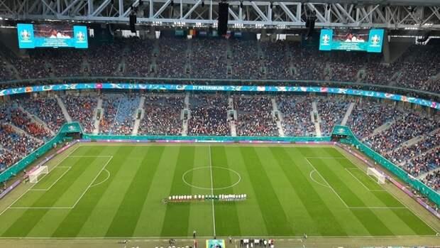 Украинцы осудили радость футбольных фанатов из-за поражения РФ в матче Евро-2020