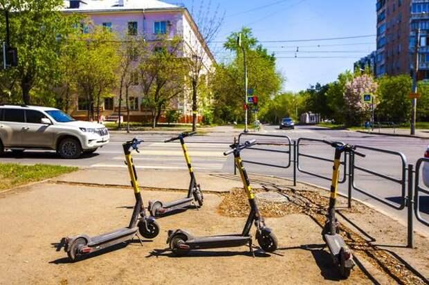 В Челябинске электросамокаты продолжают сбивать людей