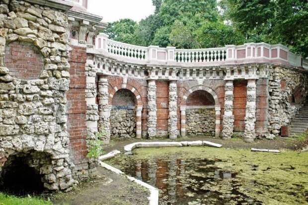История района: В Лефортовском парке сохранился грот Растрелли
