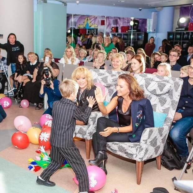 Пугачева пришла на детский концерт без своих детей