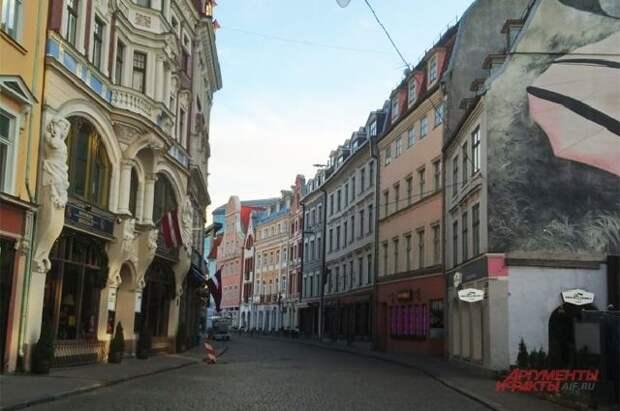 Латвия и Литва объявили о высылке российских дипломатов