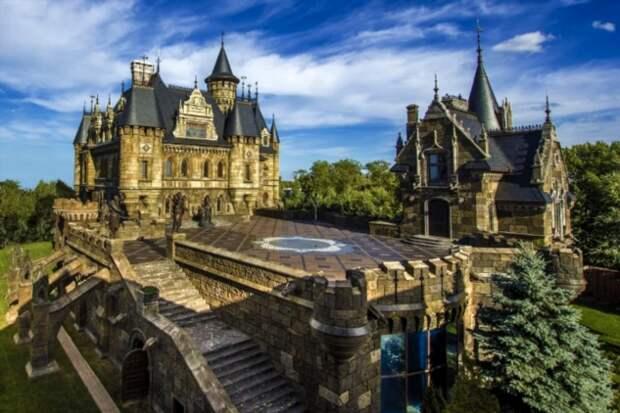 12 древних (и не очень) замков, которые можно увидеть, не выезжая за границу