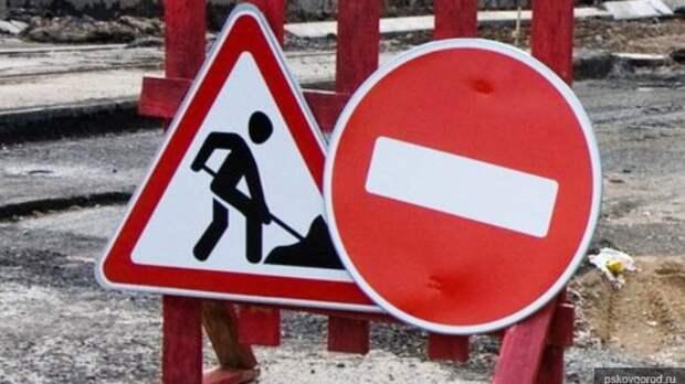 Дорожники за сутки заделали 73 ямы в Южно-Сахалинске