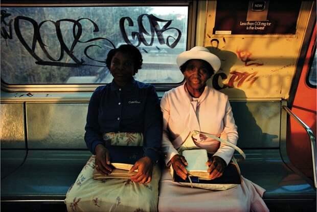 Обратная сторона Большого Яблока. Кричащая атмосфера нью-йоркского метро 80-х в объективе американского фотографа.