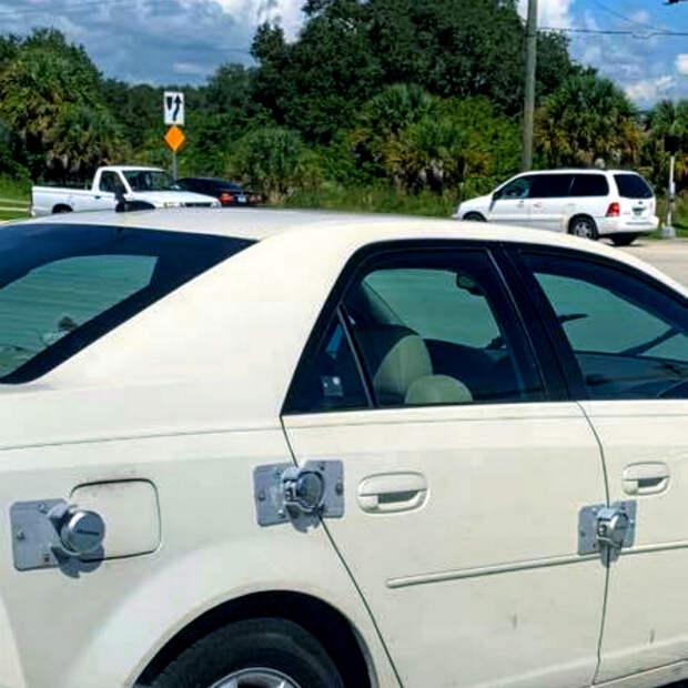 Центральный замок? Сигнализация? А что это такое? | Фото: afg-locksmith.com.