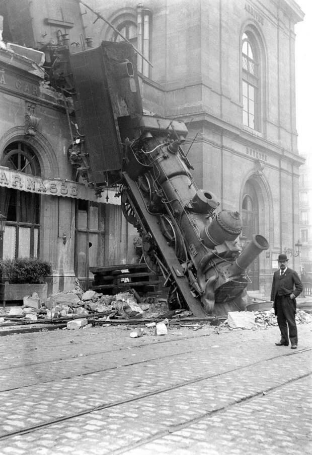 Как посреди Парижа поезд упал с крыши: 8 исторических фото