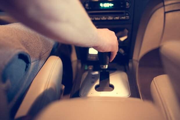 Автолюбителям запретят парковаться у ГКБ №3 в Ижевске с 7 вечера до 7 утра