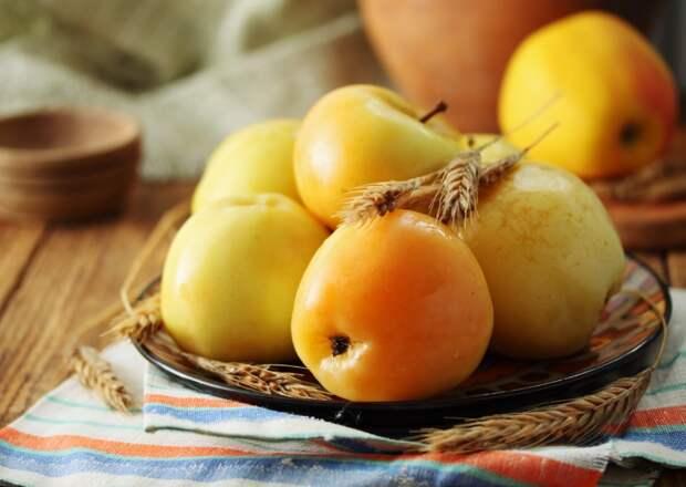 яблоки с перцем на зиму