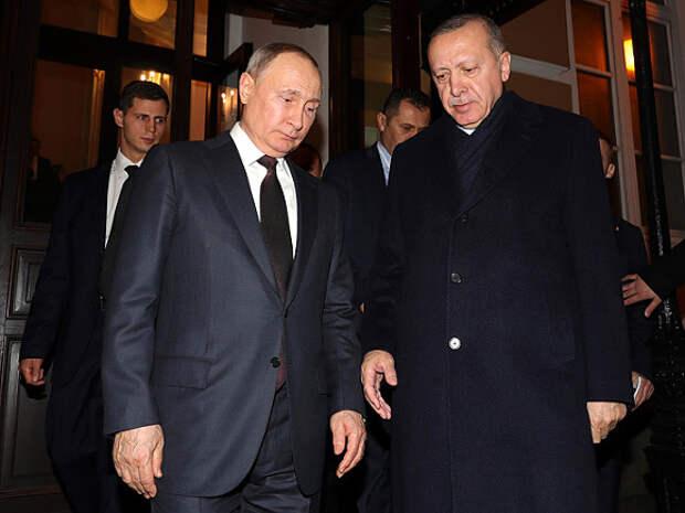 Путин и Эрдоган договорились о возобновлении туристических связей после закупки «Спутника V»
