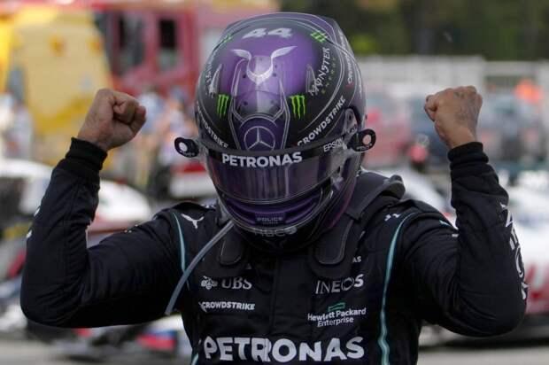 Поражение Ферстаппена, триумф Хэмилтона и другие события гонки в Барселоне